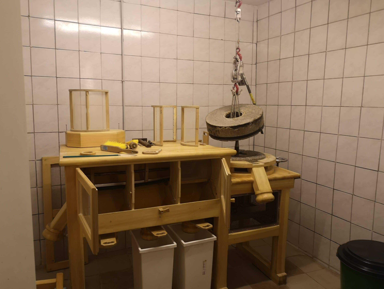 Maismühle von Sepp Brandstätter zur Erzeugung von Polenta oder Maismehl
