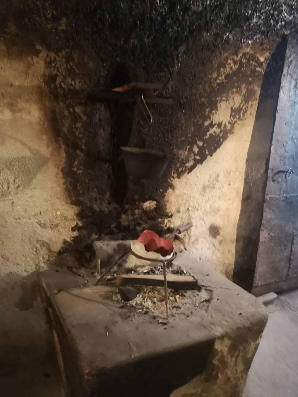 Alte Feuerküche (Feuerkuchl) am Hof von Sepp Brandstätter in Würmlach