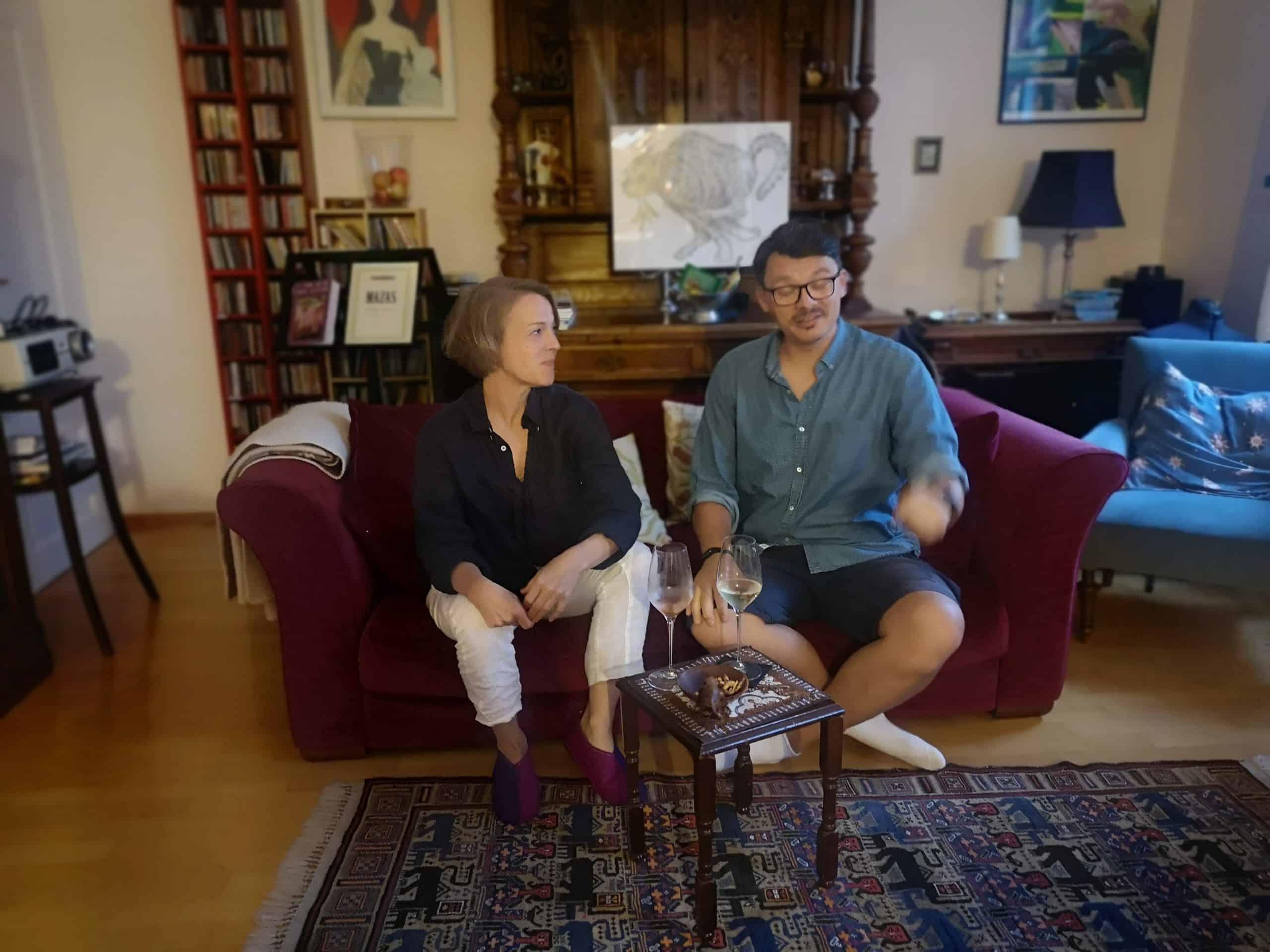 Susanne Karr auf der Interview-Couch mit Wilhelm Geiger
